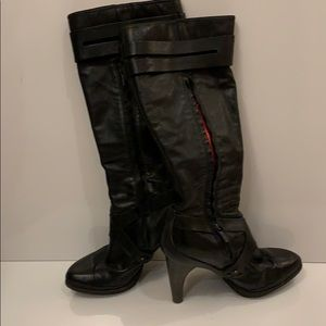 Tsubo knee high boots, style 8166-bf. Size 9. Used